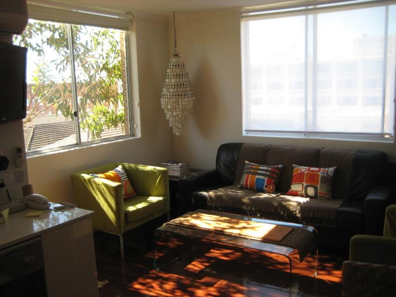 Stylish, studio oasis, just 100m to Bondi Beach! - Image 1 - Sydney - rentals