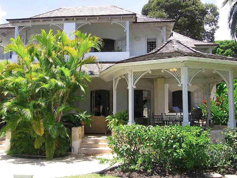 Cassia, Emerald Beach #6 at Gibbes Beach, Barbados - Beachfront, Gated Community, Communal Large Freshwater Pool - Image 1 - Gibbs Bay - rentals