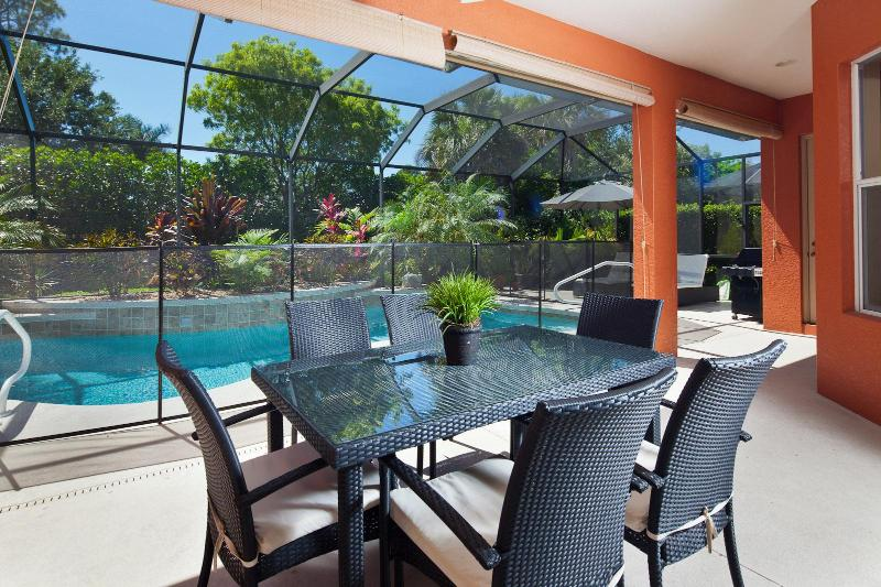 Dine by the Large Tropical Pool - Delarosa - Naples - rentals