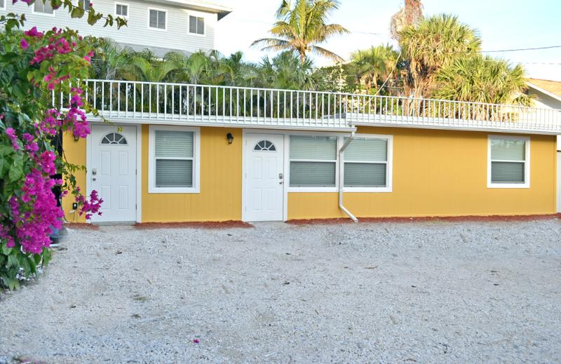 Siesta Key Beach Studio Vacation Rental - Image 1 - Siesta Key - rentals
