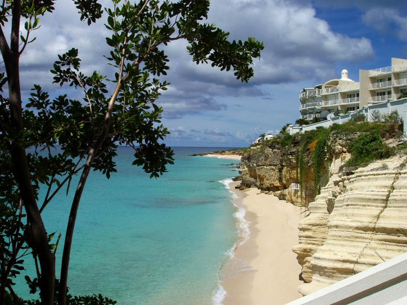 The Cliff Beach & Spa A7 at Cupecoy, Saint Maarten - Beachfront, Gated Community, Communal Pool - Image 1 - Cupecoy - rentals
