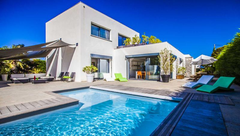 Have a blast in our Ultra-modern Villa with Pool! - Image 1 - Biarritz - rentals