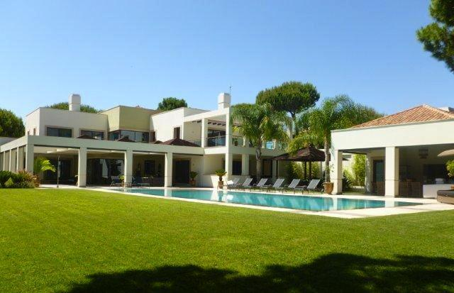 Large 6 Bedroom villa with pool in Quinta do Lago - Image 1 - Quinta do Lago - rentals
