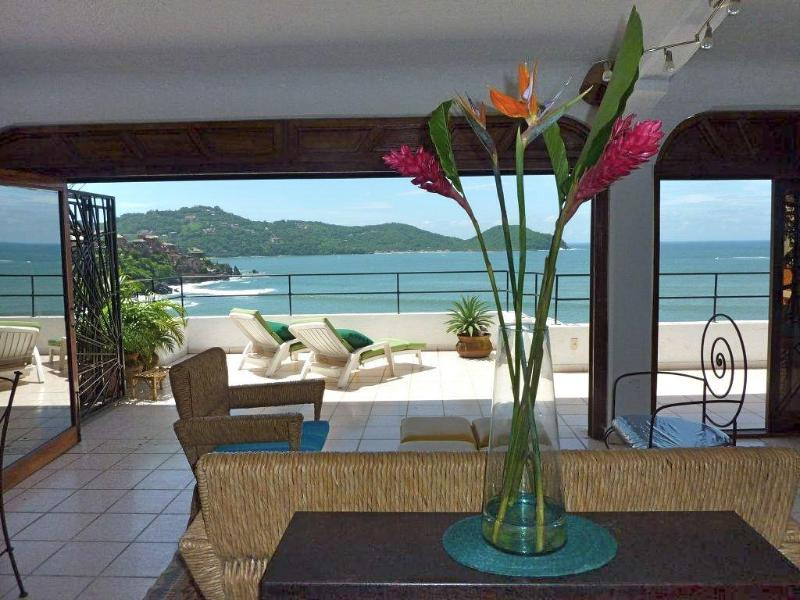 Terrace and Bay seen from kitchen - 1 Bd Penthouse Condo: Bay View from Large Terrace - Zihuatanejo - rentals