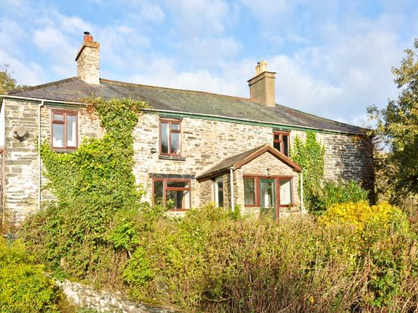HENDRE ALED FARMHOUSE, large family cottage, with five bedrooms, two sitting rooms, and two woodburners, in Llansannan, Ref 6482 - Image 1 - Denbigh - rentals