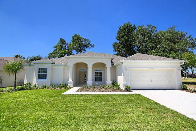 Front of 1214 Golf Course Parkway - Ridgewood Lakes 4 Bed 3 Bath Golf View (1214-RID) - Davenport - rentals