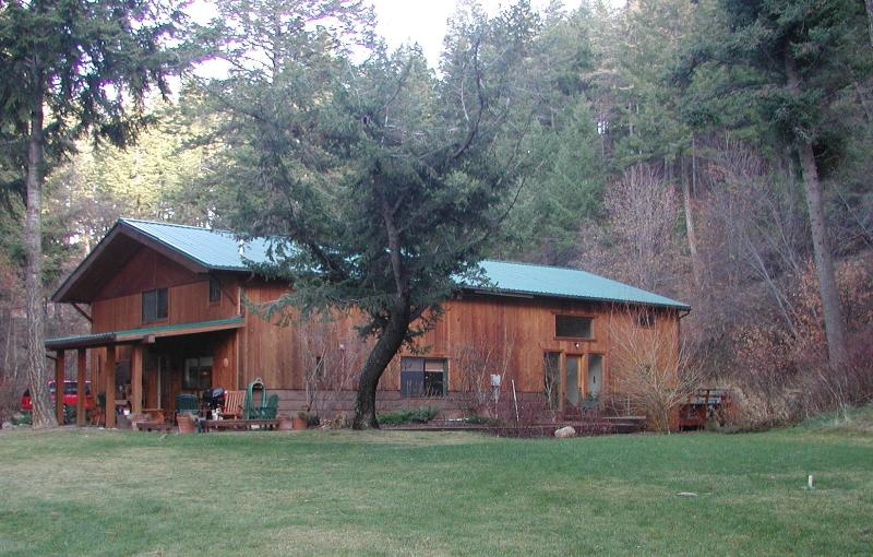 Lodge Get a Way. A short drive to the city center. - Image 1 - Missoula - rentals
