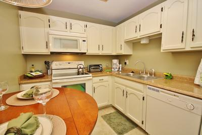 Kitchen - Sea Coast Gardens II, Cozy and Private Holiday - New Smyrna Beach - rentals
