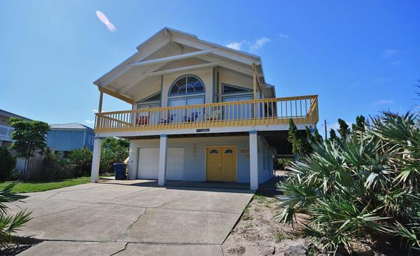 Beautiful Home just steps from the beach - Plenty of Room at the Private Dolphin Beach House - New Smyrna Beach - rentals