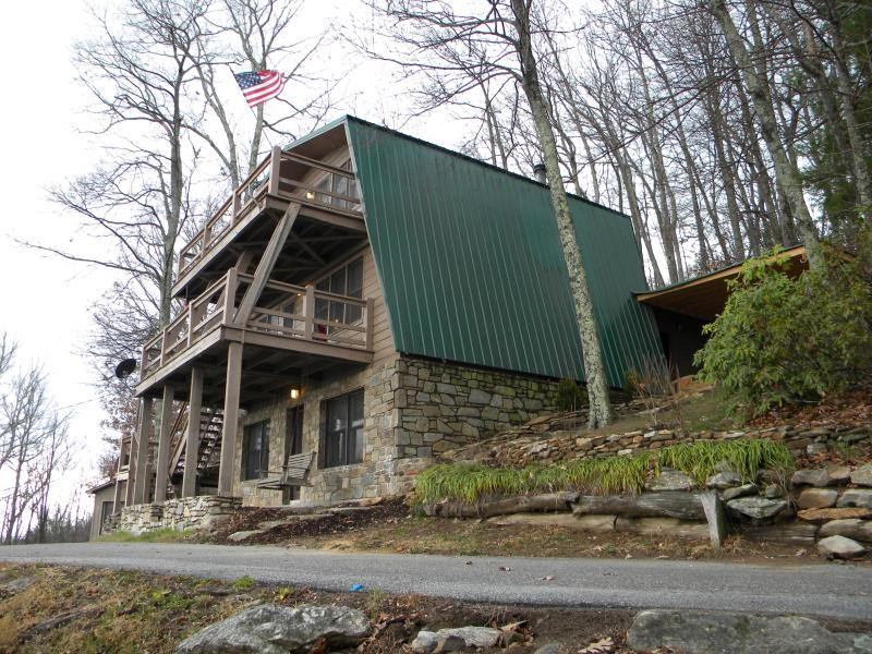 3 Story Giewont Mountain House - N. Carolina Mtn - Image 1 - Hendersonville - rentals