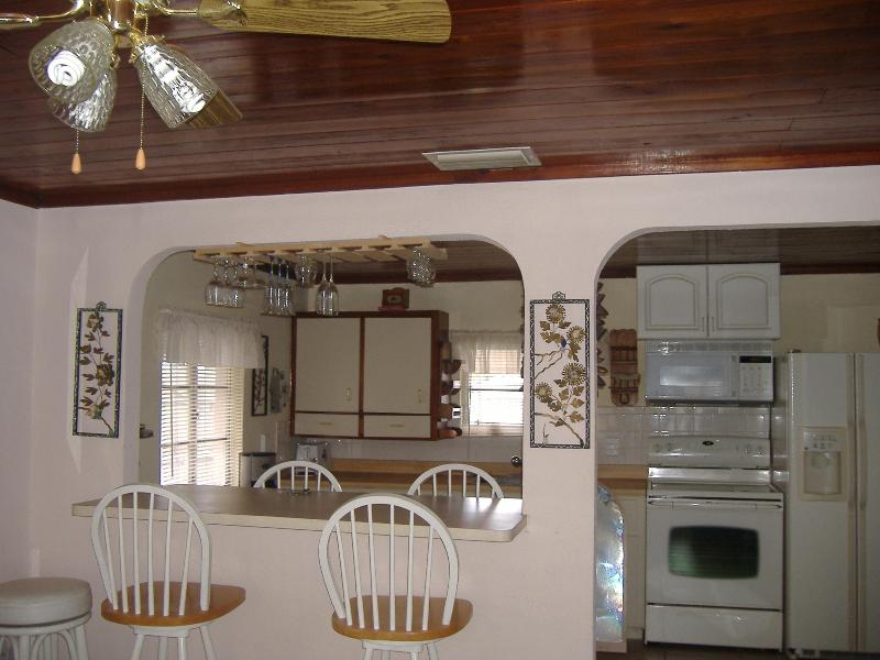 1 bedroom cottage by the bay in Englewood Florida - Image 1 - Englewood - rentals