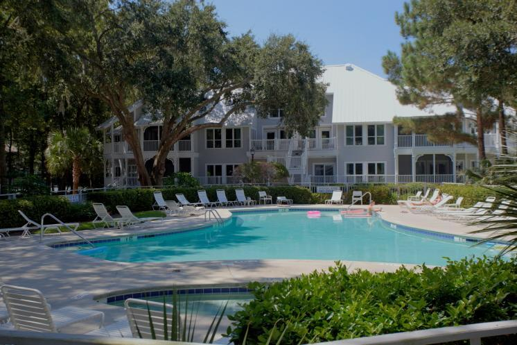 Ocean Palms exterior - PORT ROYAL: Golf Included!  Walk to Beach! - Hilton Head - rentals