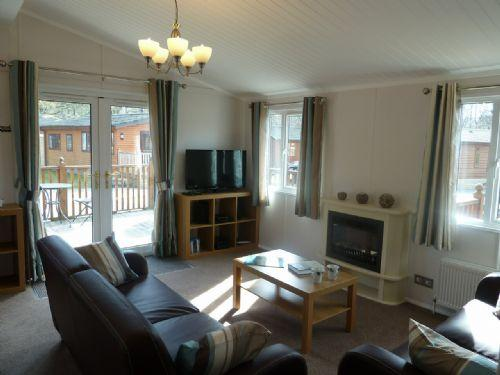 LAKE VIEW LODGE, White Cross Bay, Windermere - Image 1 - Bowness & Windermere - rentals