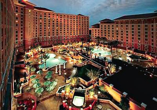 Deluxe full service resort oasis one mile from the Las Vegas Strip with free shuttle - Image 1 - Las Vegas - rentals