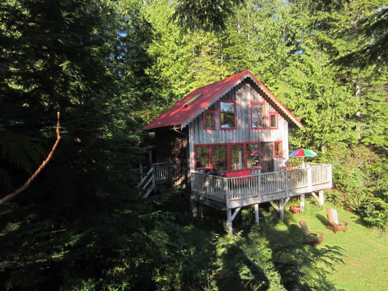 The Cottage - Ocean Dream is a Waterfront 1 bedroom cottage - Tofino - rentals