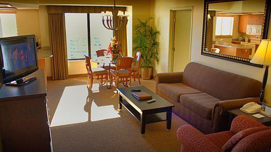 Spacious suites directly on the Strip with roof-top pool and views of Vegas skyline - Image 1 - Las Vegas - rentals