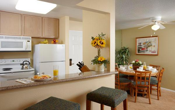 All-suite family resort less than a mile from Disneyland with shuttle service and pool - Image 1 - Anaheim - rentals