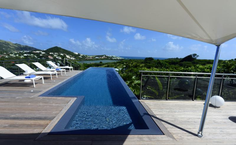 Villa Discovery... Mont Vernon, St Martin 800 480 8555 - DISCOVERY...lovely new remodeled villa near Orient Bay and Grand Case - Hillside - rentals