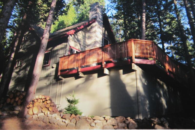 Outside View in Summer - Peaceful Mountain Getaway Near Pinecrest Lake - Pinecrest - rentals