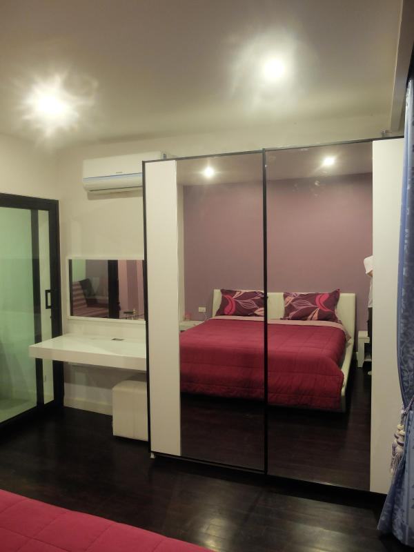 mirror wardrobe in bedroom 304 - Patong 2 cheap condo swim pool on rooftop & fitnes - Patong - rentals