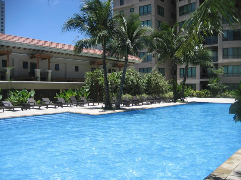 Main Adult Pool in mid day sun! - Rockwell, Joya South - 33 sq m Premier Studio - Makati - rentals