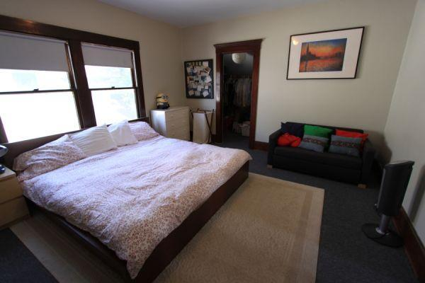 master bed with bay windows - Gorgeous Beach Apt in turn of the century flat - Santa Monica - rentals