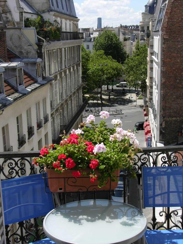 Balcony - Folie Méricourt: Become true Parisian - Paris - rentals