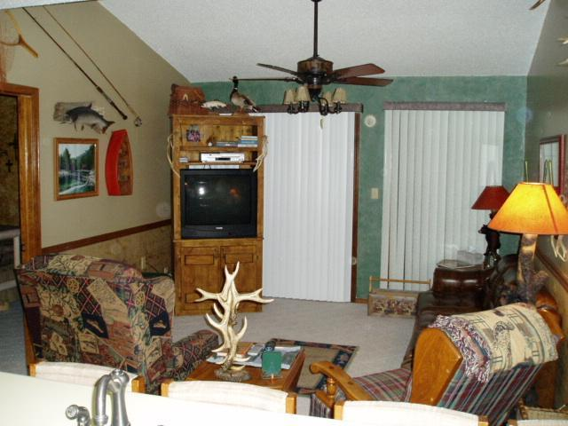 Beautiful,Quiet,WiFi, Privte Lake, 1m Sdc,trails - Image 1 - Branson - rentals