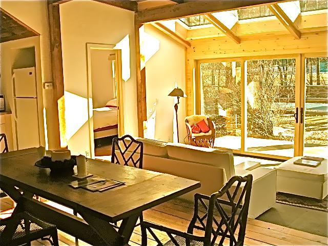 Diningroom and living room - The Bearsville Retreat Guest House Pool & Hot tub - Woodstock - rentals