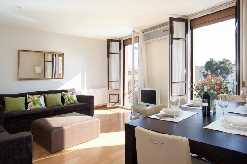 Luxurious and Romantic Copèrnic Apartment - Image 1 - Barcelona - rentals