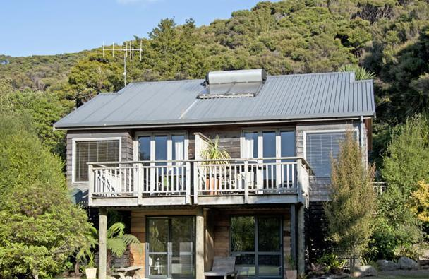 Waiora Valley:  Family Apartment (Studio + 3 Sgl) - Image 1 - Paihia - rentals