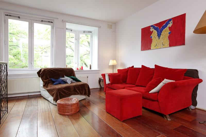 Lounge area - Rental bike nearby, 10mins by bike from centre! - Amsterdam - rentals