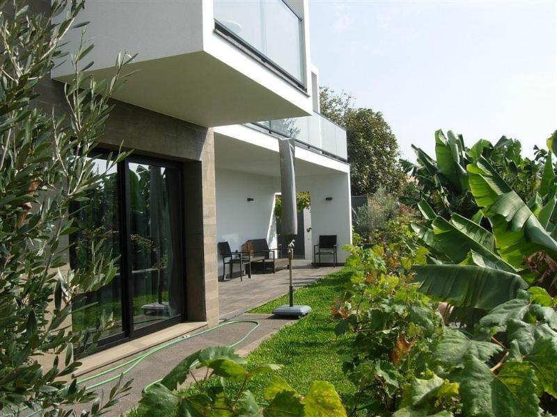 Peaceful secluded Garden between banana fields - NEW Beach Villa Garden 150 m from ocean Nothing far! - Calheta - rentals