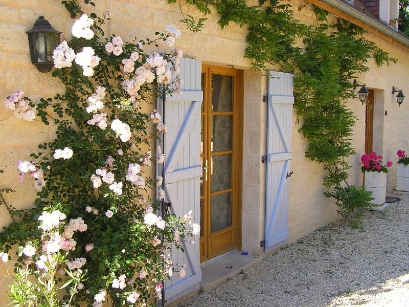 Front of property. - A beautiful gite and B&B in south west France - Domme - rentals