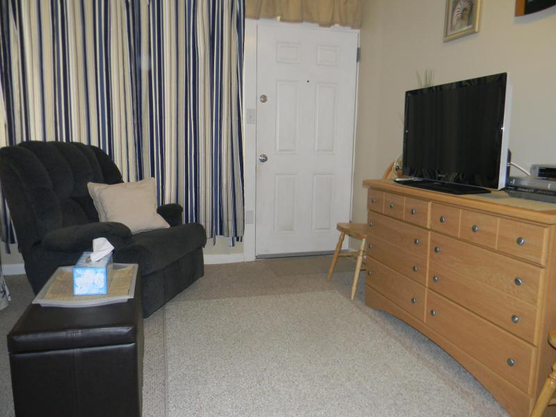 Cable TV , DVD, & VCR - Great location ! Condo on Atlantic Ave., Wildwood - Wildwood - rentals