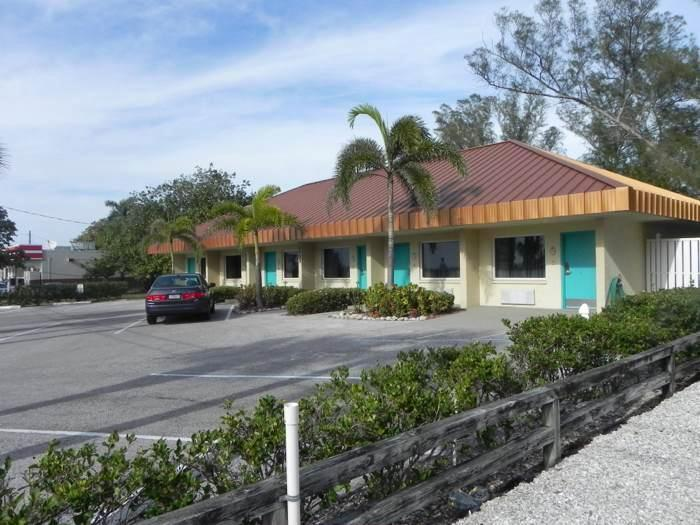 Club Bamboo Resorts! - Image 1 - Bradenton Beach - rentals