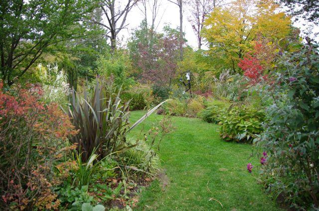 a horticultural paradise -- eight acres of gardens - Guest House at the Garden of Ideas - Ridgefield - rentals