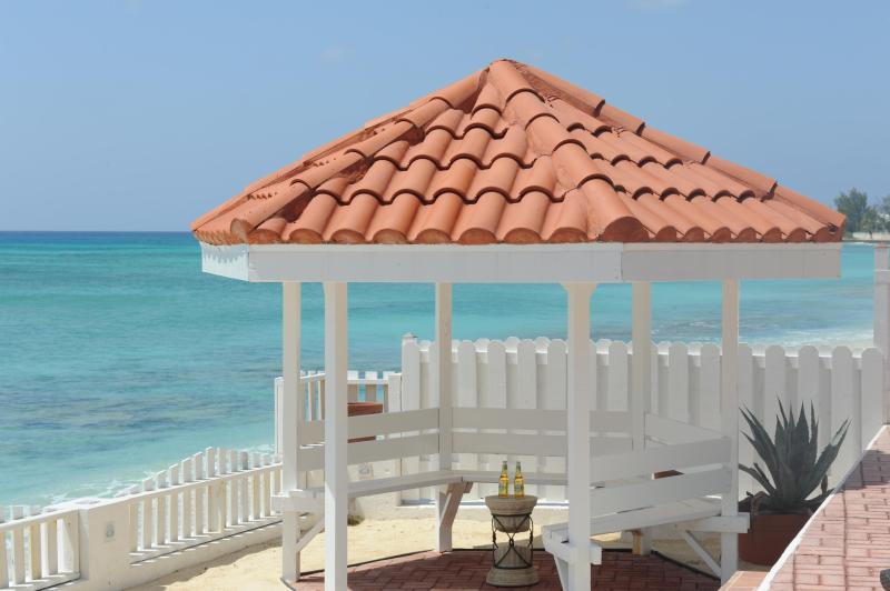 Oceanfront Gazebo - Luxury Beachfront Home on 7 Mile Beach with Pool - Seven Mile Beach - rentals