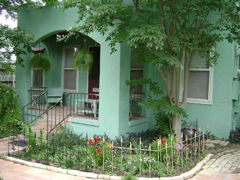 front porch and house - BARTON SPRINGS, Zilker, SOCO, DOWNTOWN, BOULDIN CREEK! - Austin - rentals