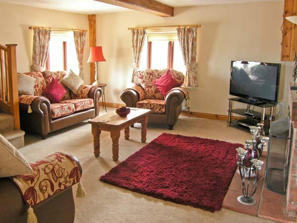 2 STUD COTTAGE working equestrian farm, beautiful countryside near Coltishall Ref 14395 - Image 1 - Coltishall - rentals