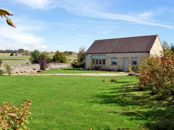 SHORTNER CROFT, country holiday cottage, with a garden in Biggin-by-Hartington, Ref 13394 - Image 1 - Derbyshire - rentals