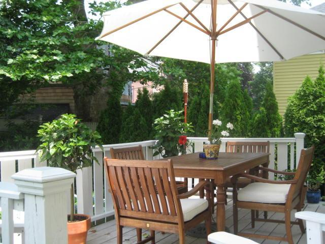 Outdoor Living Space-Deck - Four Winds Island House~SEPTEMBER SPECIALS~Off Season 30 Day-7 month Rentals - Newport - rentals
