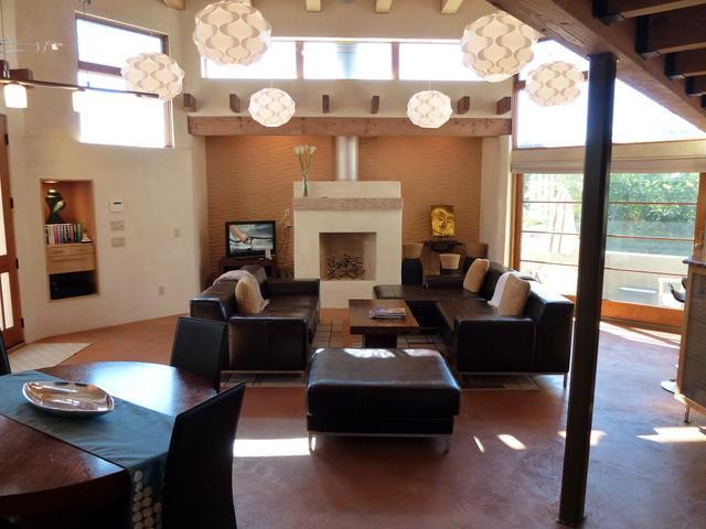 Living Room and Dining Room - Opera House - Walk-able, WiFi, 3br/3.5ba Stylish! - Santa Fe - rentals