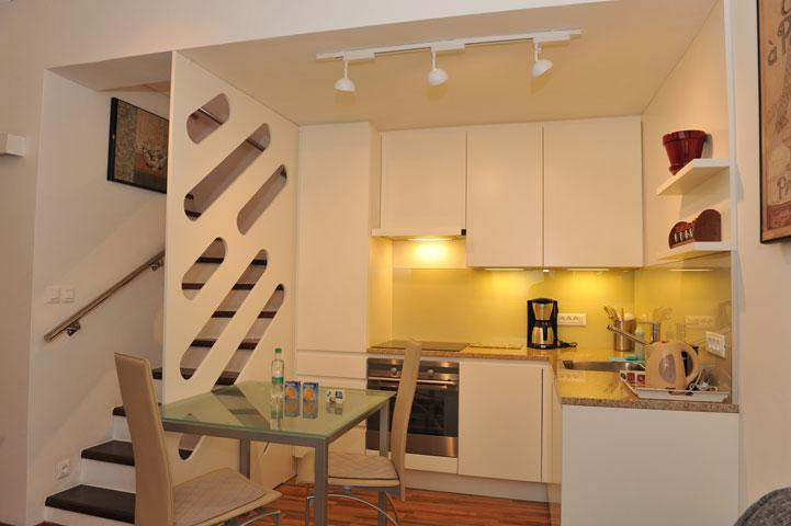 Apartment MIJA - Kitchen  and a dining corner with a table for three persons - Studio Mija Tour As in the center of Ljubljana - Ljubljana - rentals