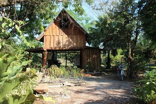 View of cabin from entrance - Lovely rustic one bedroom cabina in Cabuya - Cabuya - rentals