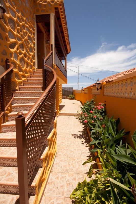 Balcony and exterior stairs - Charming Rural House In The Heart Of Gran Canaria - Vega de San Mateo - rentals