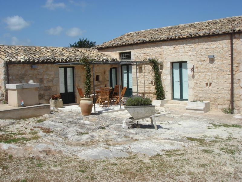 Sicilian Farmhouse Restored Into Luxury Villa - Image 1 - Modica - rentals