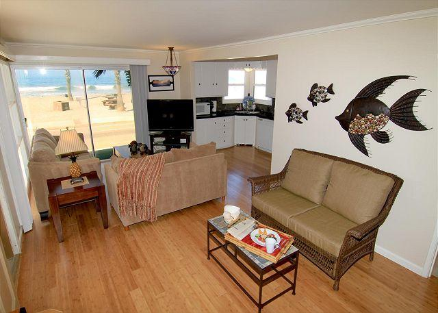 Living room - Beach Vacation Rental on the Strand S207-2 - Oceanside - rentals