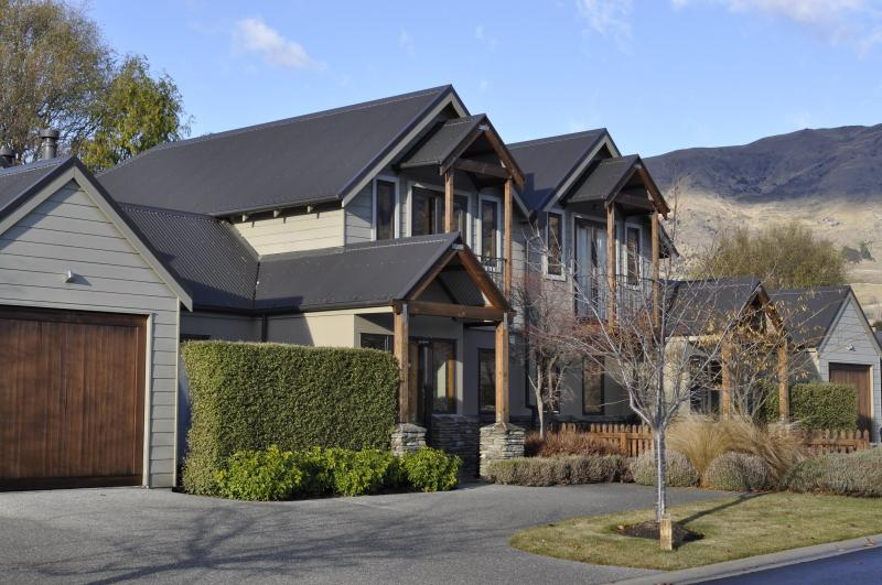 exterior view - Luxury on Lansdown Wanaka - Wanaka - rentals