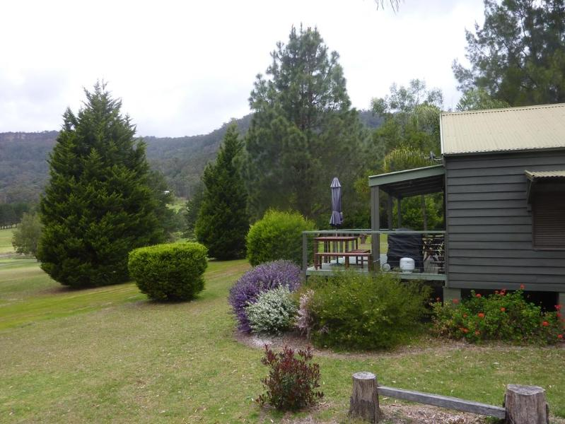 Cottage with great views - Blue Gums Cottage, Kangaroo Valley, near Sydney - Kangaroo Valley - rentals